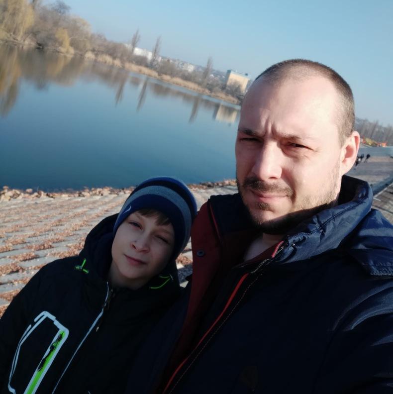 Андрей с старшим сыном Мишей