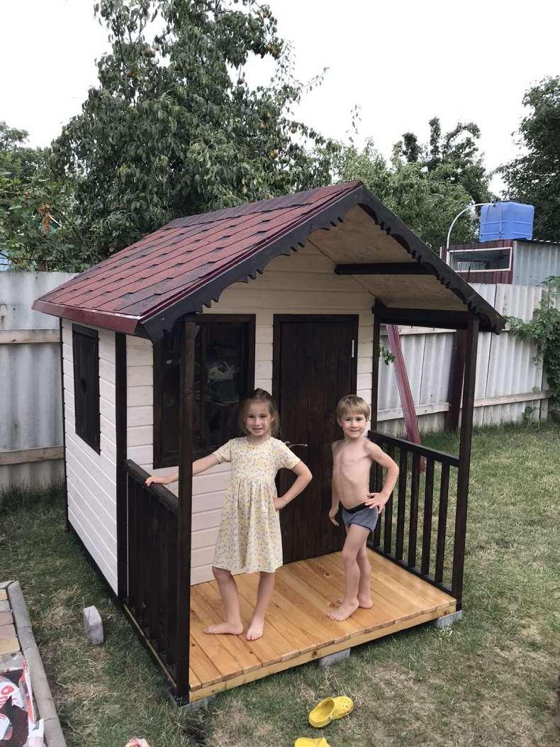 Детский домик, который построил Геннадий для своих детей