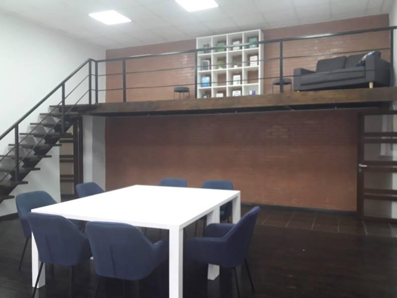 Зона відпочинку та бібліотека Чернігівського бізнес-хабу
