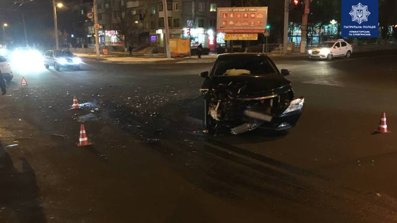 Розбитий у ДТП Toyota Camry