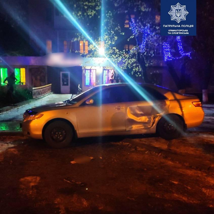 Пошкоджене авто Toyota Camry