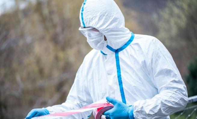 koronavirus-vrach-v-zashchitnom-kostyume