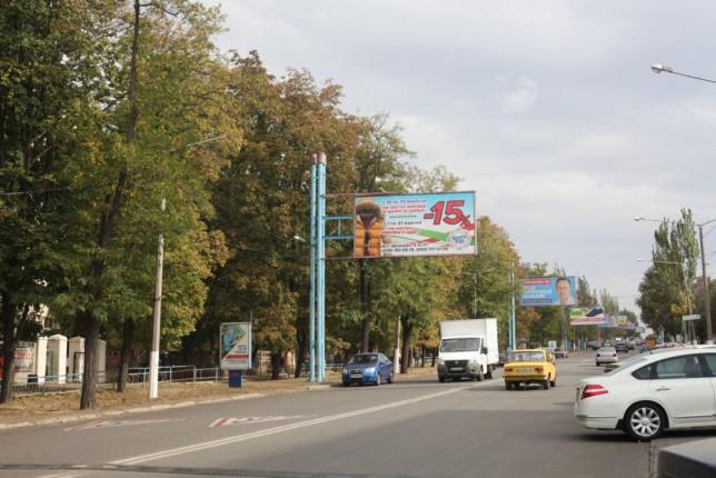 reklama-bilbordy-na-dvorcovoy1