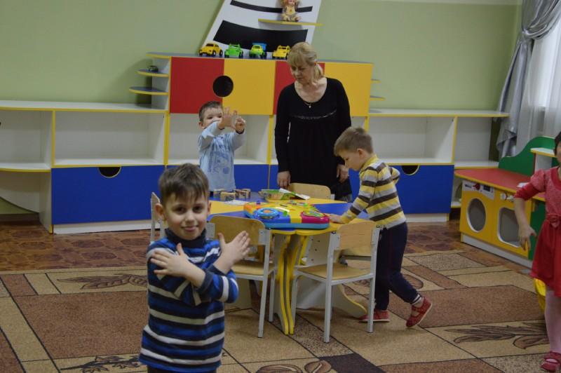 Дети в игровой комнате Центра