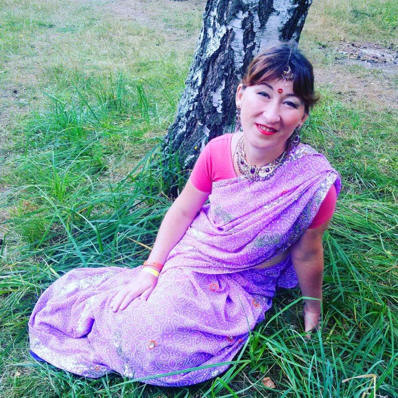 Оксана Хилюкова в образе индийки