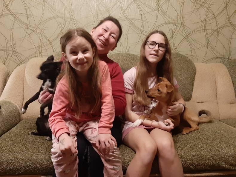 Оксана Хилюкова с племянницами
