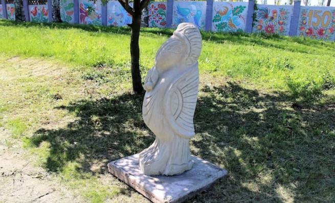 skulptura-ptitsa