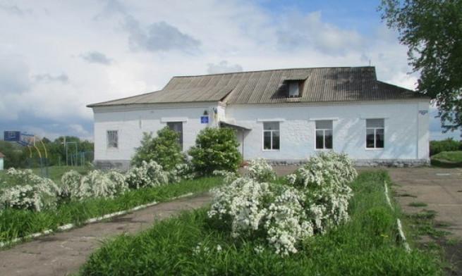 skola-28-novoselovka