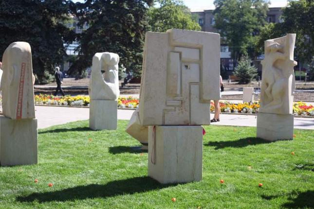vidkrittya-skulptur-u-labirinte-14